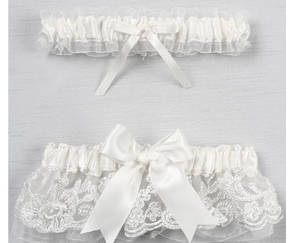 A01235BG-Chantilly-Lace-Garter-Set