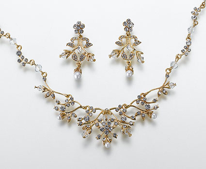 JL10031-gold-pearl-rhinestone-necklace-and-earring-set
