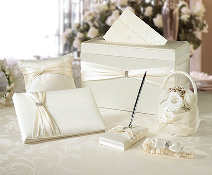 WS103I ivory wedding set in a box